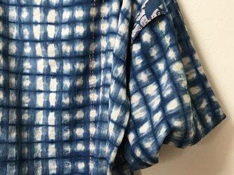 藍染 カディコットン手刺繍入り プルオーバーの画像