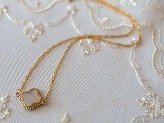 シェル【マザーオブパール・貝】お花のネックレス*の画像