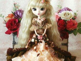 薔薇薫るオーバートレーンのマーメイドプリンセス 大人可愛いドールドレスの画像