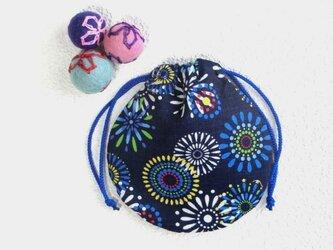 ミニ巾着 紺色彩花火柄 御守り 小物収納 プレゼントにも の画像