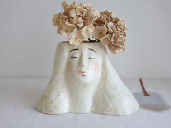 女神さま花器(薄茶)の画像