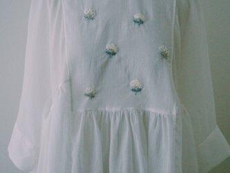 cloud flower blouseの画像