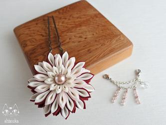 流れ星✥つまみ細工 赤 かんざし 花簪・浴衣・和装小物・髪飾りの画像