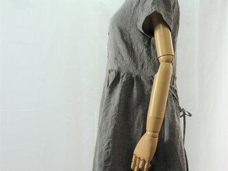 ウェスト切り替え半袖ワンピース(シャンブレーブラック)の画像