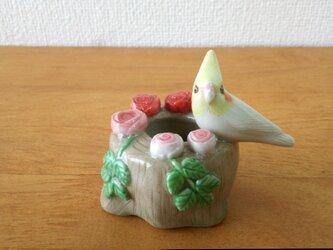 印鑑スタンド(陶)オカメインコ&薔薇の画像