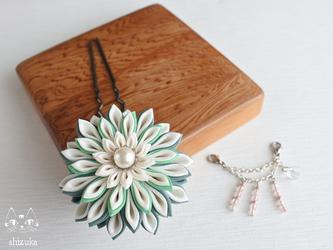 流れ星✥つまみ細工 緑 かんざし 花簪・浴衣・和装小物・髪飾りの画像