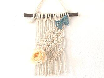 マクラメ編みミニタペストリー~栗の枝とコットン生成り糸(#70)で♪の画像