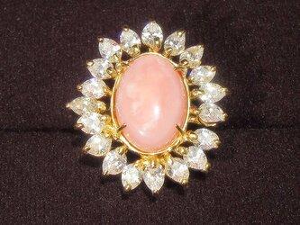 ピンクオパールとSV925、スワロフスキー・ジルコニアの指輪(リング:10号、14×10㎜、K18YGメッキ)の画像