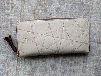 刺繍革財布『カラフルLINE』オフホワイト(牛革)ラウンドファスナー(Slim)型の画像