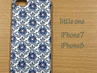 【リバティ生地】ロイヤル・ローズブルー iPhone7 & iPhone8の画像