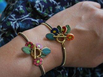 お花ブレスレット ピンク系(2色展開)の画像