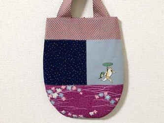 手刺繍浮世絵バッグ*歌川国芳「金魚づくし・にはかあめんぼう」の金魚と蛙の画像