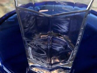 水紋の八角グラス〜手彫りガラス〜の画像