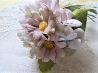 シャビーな野の花コサージュ.aの画像