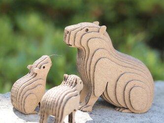 【工作キット】段々動物園-カピバラの親子・座の画像