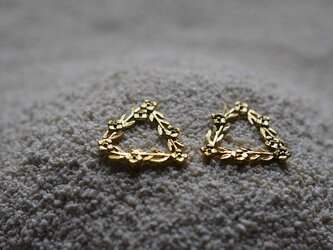 order TC様:triangle and flowers earringsの画像