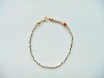 シルバービーズのブレスレット(赤サンゴ)の画像