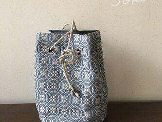 巾着 bag[手織りオーバーショット織 巾着バッグ]ブルーの画像