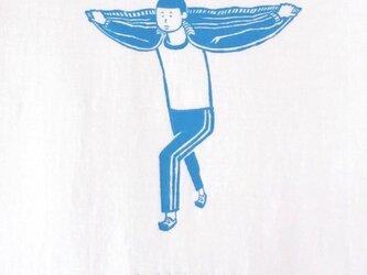私は飛ぶことができます。【水色画 Tシャツ】の画像