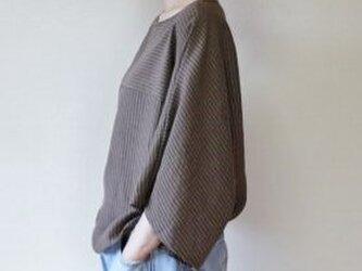 たっぷり袖のドルマン トップス リネン混の画像