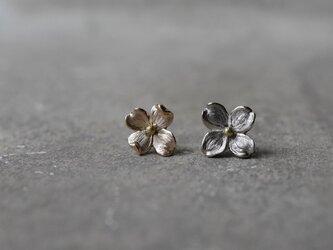 order UN様:K18gold hanamizuki earringsの画像