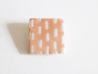 磁器ブローチ 四角 ミシン ピンクの画像