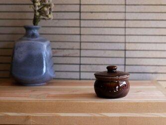 1600年創業 13代目職人 加藤さんのつくる甕(かめ)1合・飴茶(蓋物・漬物入れ・調味料入れ)梅干し約7個ほど入りますの画像