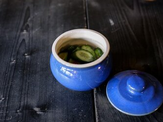 1600年創業 13代目職人 加藤さんのつくる甕(かめ)2合・青(漬物入れ・調味料入れ)梅干し約15個ほど入りますの画像