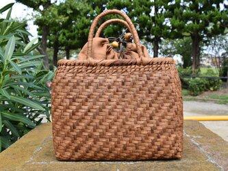 山葡萄(やまぶどう)籠バッグ | 網代編み | 巾着と中布付き | (約)幅31cmx高さ25cmx奥行12cmの画像