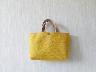 裂き織りのバッグ Mサイズ横長 マスタードの画像
