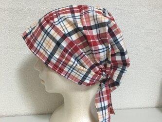 夏用ケア帽子 赤チェック 共布リボンの画像