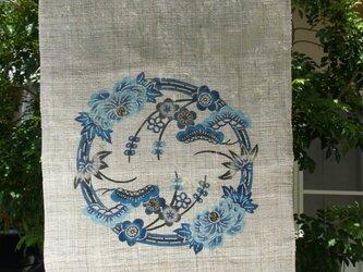 琉球びんがた 牡丹に松竹梅丸紋 タペストリーの画像