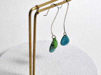 【参考品】3粒ピアス 緑、青緑、セルリアンブルーの画像