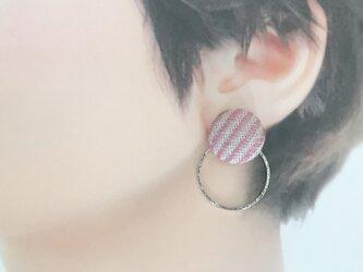 こぎん刺しのイヤリング〈糸流れ〉1.8cmの画像