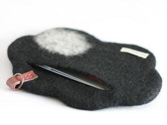 「雲のカタチ」のカードケース(黒)の画像