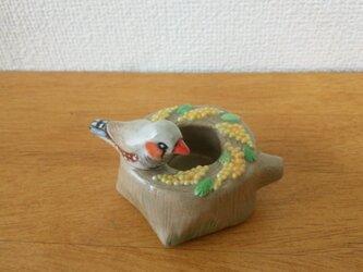 キンカチョウとミモザ 印鑑スタンド(陶)の画像