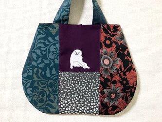 手刺繍日本画バッグ*長沢芦雪「白象黒牛図屏風」の犬の画像