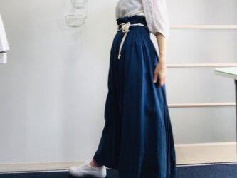シワになりにくいリネン100%  超ハイウエストボリュームスカート  青の画像