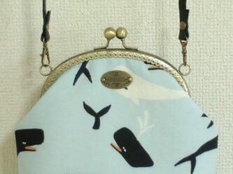 マッコウクジラ柄のがま口ポシェットの画像