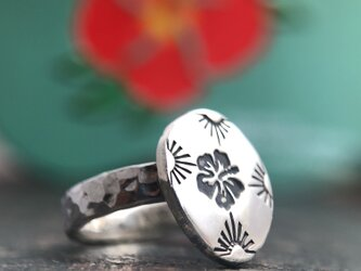 "Hibiscus Stamp Ring ""ハイビスカスのリング""の画像"