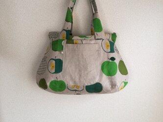 green apple ・ファスナー・BAGの画像