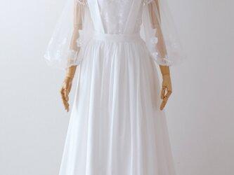 コットンローンのサスペンダースカートとリバーレースブラウスのツーピースウェディングドレスの画像