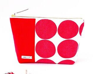 鮮やかな赤ドットのマチ付き化粧ポーチ(赤の帆布)の画像
