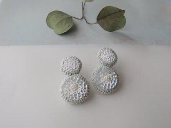 deux 「bulle」手刺繍イヤリングの画像