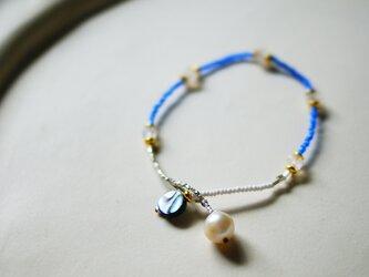 アバロンシェル×あこや真珠×レインボームーンストーン・ブレスレット b0709の画像