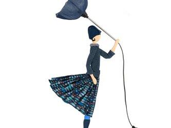 【2019年夏新モデル】風のリトルガールおしゃれランプ Angie スタンドライト 受注製作 送料無料の画像