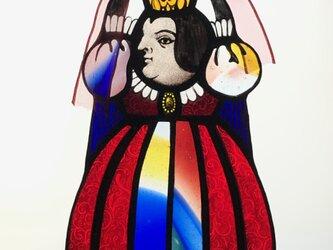 ステンドグラスのぶら下がり女王の画像