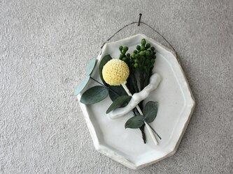 陶の壁掛け(8角・白)の画像