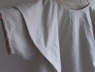 リネン肩タックプルオーバーの画像