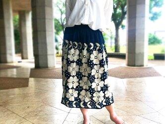 手縫いソフトヘンプの刺し子ギャザーロングスカート、ウエストフリーサイズの画像